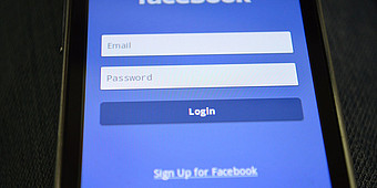Facebook-Sign-In